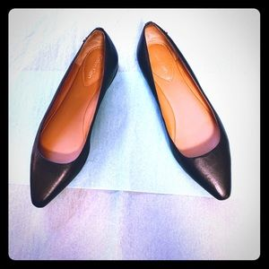 Calvin Klein black leather pointed flats